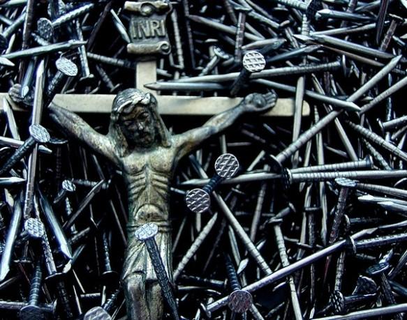 nails-cross