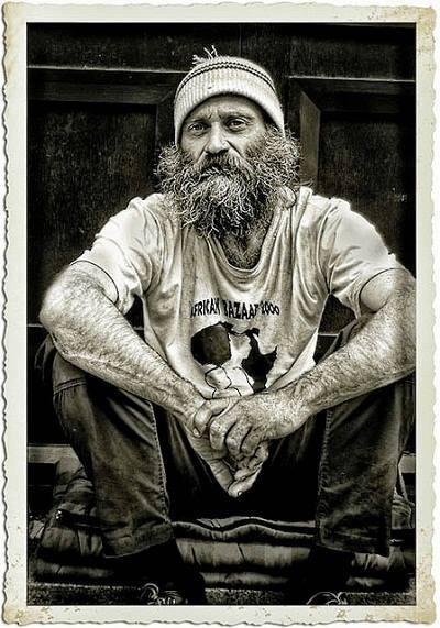Pastor-homeless-people