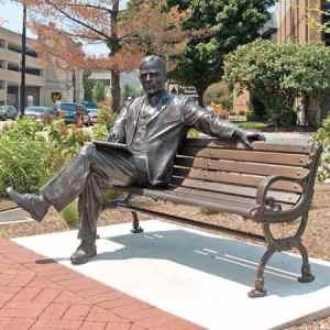 Max_Ehrmann_statue