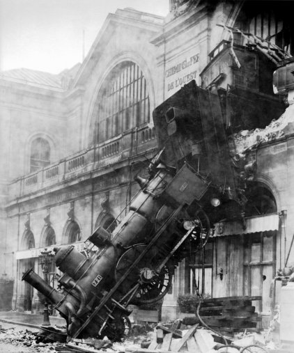 Train_wreck_at_Montparnasse_1895-1895-10-22